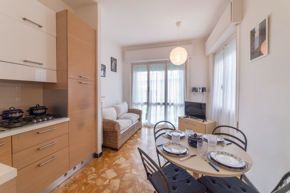Superior Apartment, 2 Bedrooms, Terrace - In-Room Dining