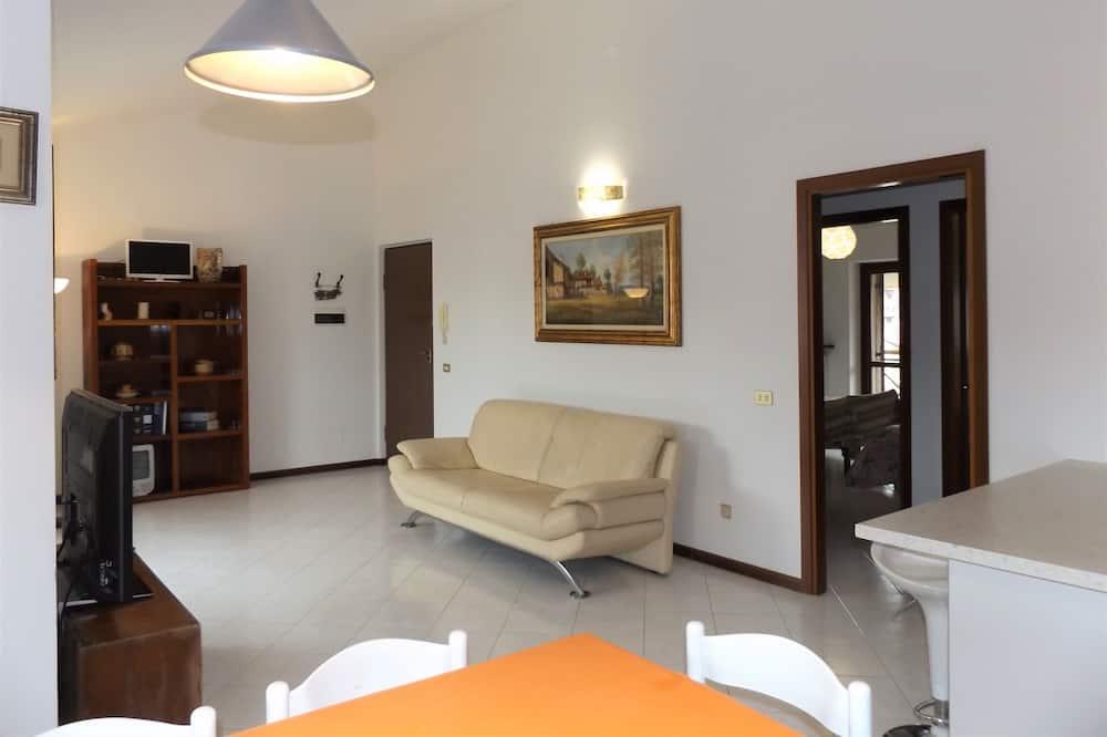 apartman, 2 hálószobával, konyha, torony - Nappali rész