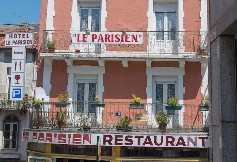 Hôtel Le Parisien, Lourdes, Otelin Önü