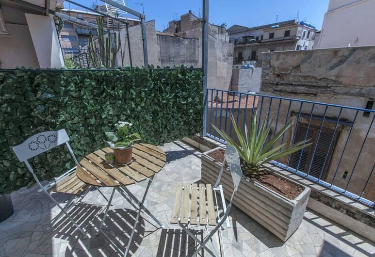 Jasmin B&B, Palermo, Tek Büyük Yataklı Oda, Ortak Banyo (Girasoli), Teras/Veranda