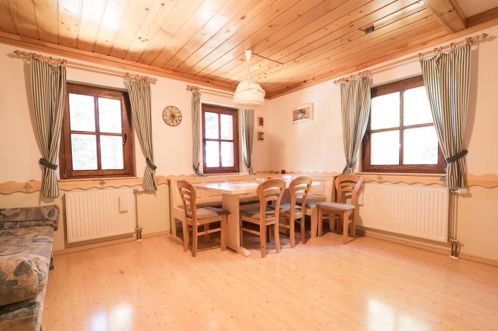 Standaard appartement, 1 tweepersoonsbed, uitzicht op bergen - Woonruimte