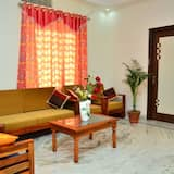 Deluxe Room, 1 Double Bed, Non Smoking - Living Room