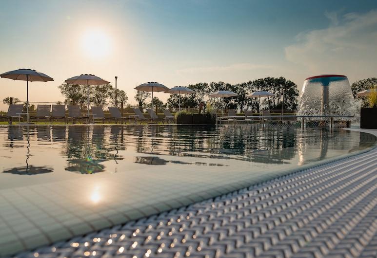 海濱阿蘇拉度假村, 利加諾黃金沙灘, 泳池