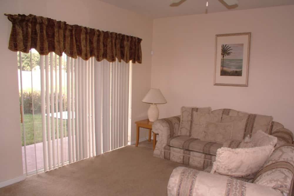 Σπίτι σε Συγκρότημα Κατοικιών, 3 Υπνοδωμάτια - Περιοχή καθιστικού