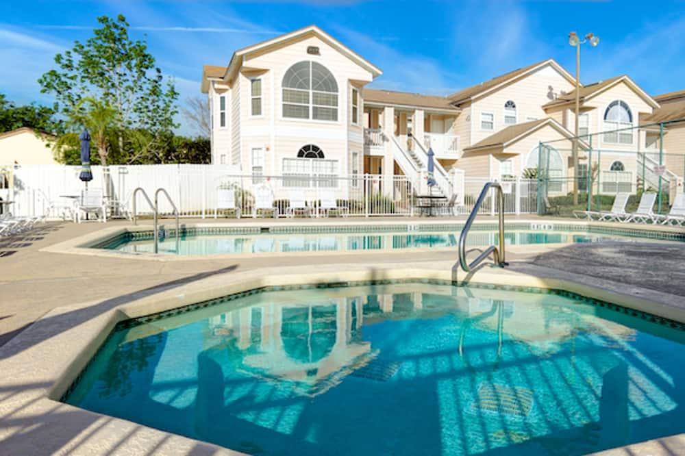 Villas at Island Club 3148 C