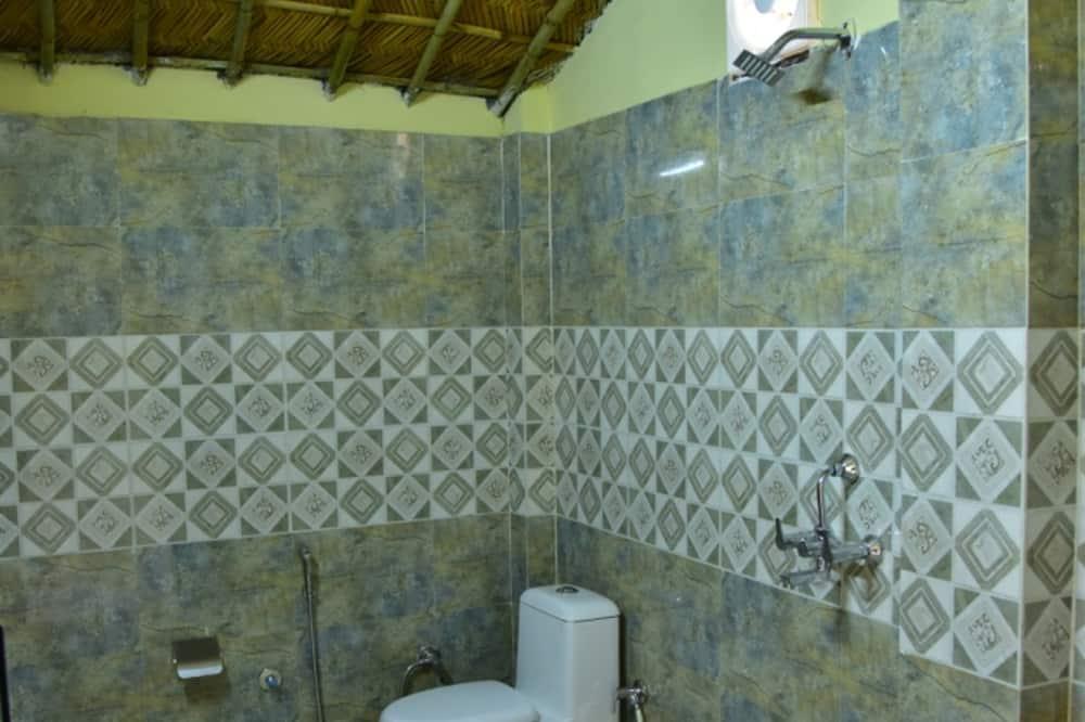 Premium Room, Multiple Beds, Non Smoking, Garden View - Bathroom