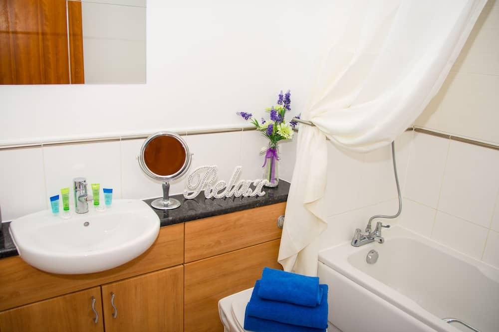 Exclusive Apartment, Ensuite (Spacious) - Bathroom