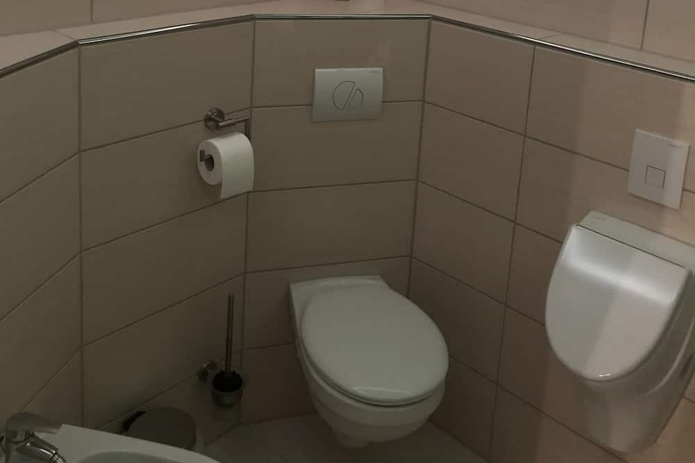 Deluxe Room, Private Bathroom - Bathroom