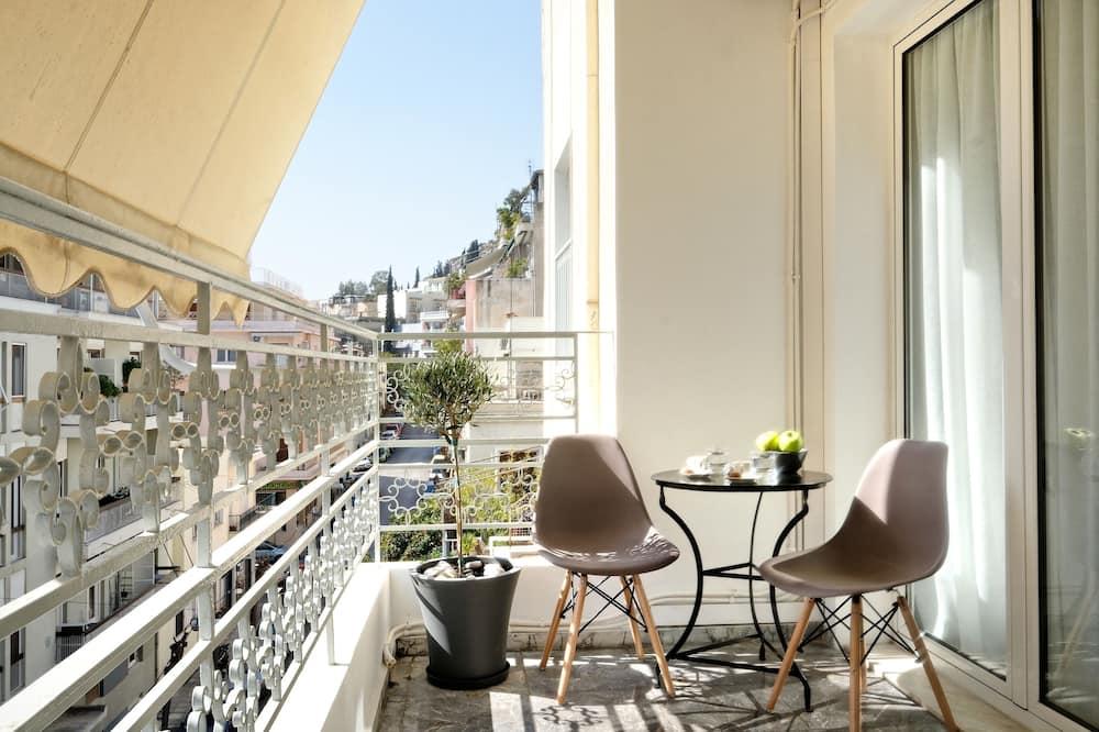 Luxury Apartment, City View - Balcony