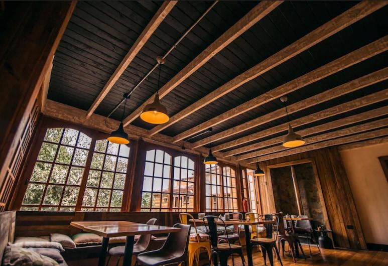 Hotel Mar y Vino, Pichilemu, Bar do Hotel