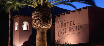 Picture of Hotel California in Palm Springs