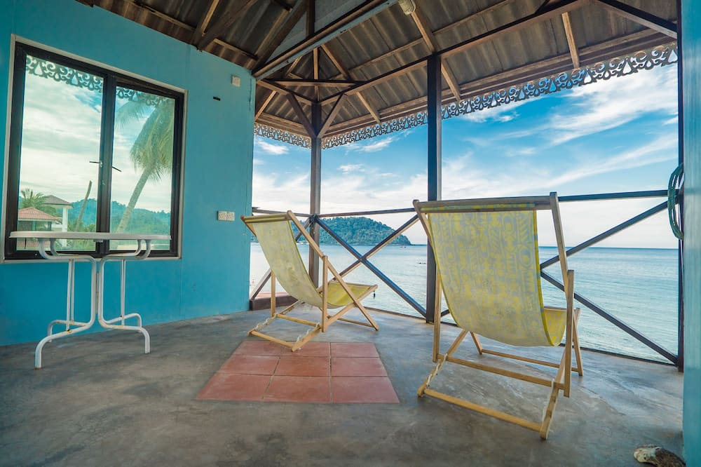 Deluxe Bungalow, 1 Queen Bed, Non Smoking, Sea View - Balcony View