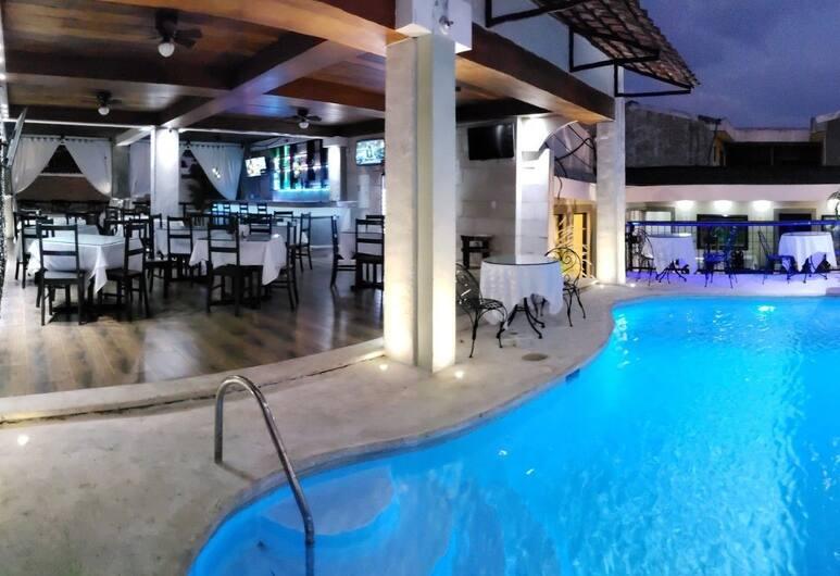 Hotel Villa Antigua, San Salvador, Pool