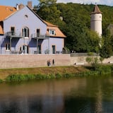 Fantastic apartments with a sun terrace directly on the shores Tauber