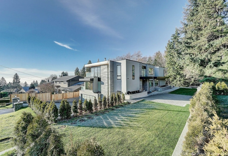 West Vancouver Contemporary Living, West Vancouver