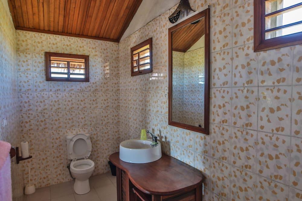Bungalow Comfort, 3 Tempat Tidur Twin, non-smoking (Triple) - Tempat duduk toilet yang dapat diangkat