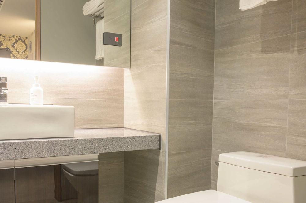 豪華三人房, 多張床, 非吸煙房, 浴缸 - 浴室