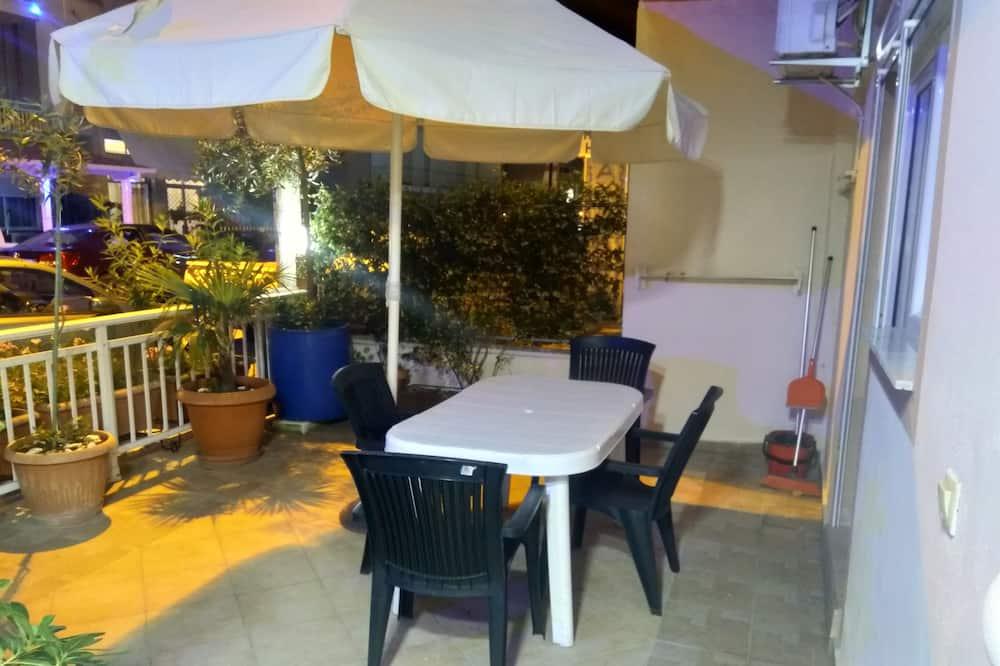 Family Studio, 2 Double Beds - Balcony