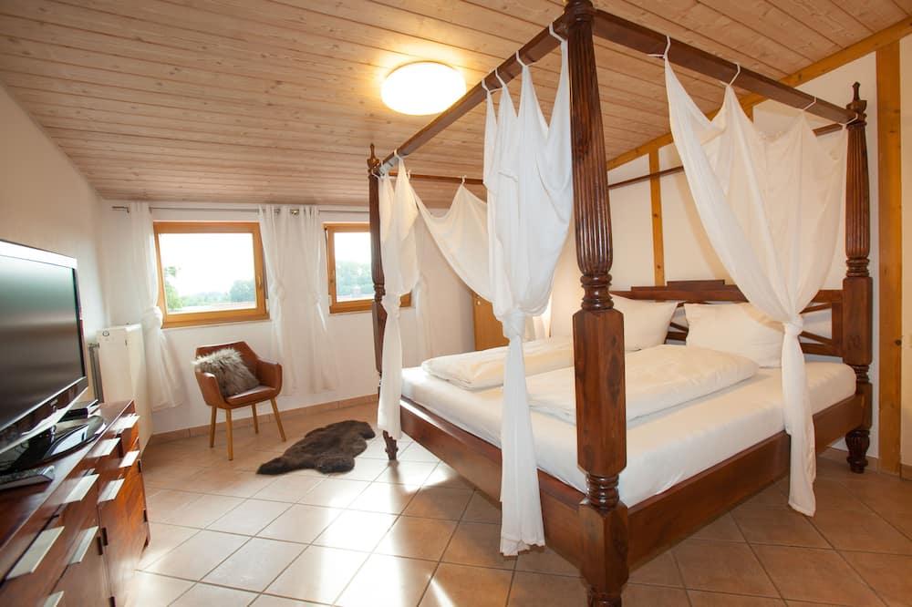 Novomanželská chata - Izba