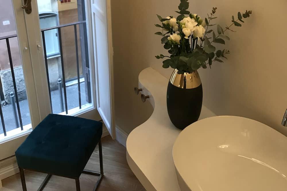 Dobbeltrom – deluxe - Vask på badet