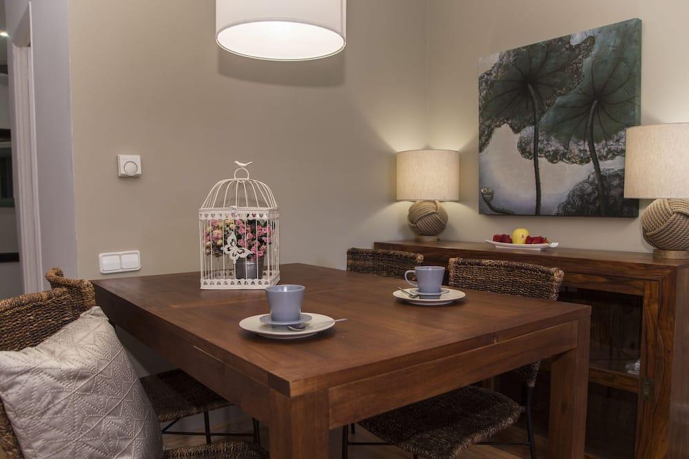 Apartament standardowy, 2 sypialnie, dla niepalących, taras - Wyżywienie w pokoju