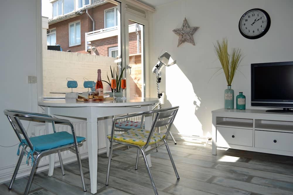 House, 2 Bedrooms (Beach House Sea-Esta) - Living Area