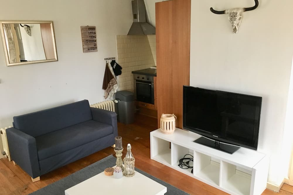 Apartment, 1 Bedroom (Nikki's Holiday Home) - Living Area