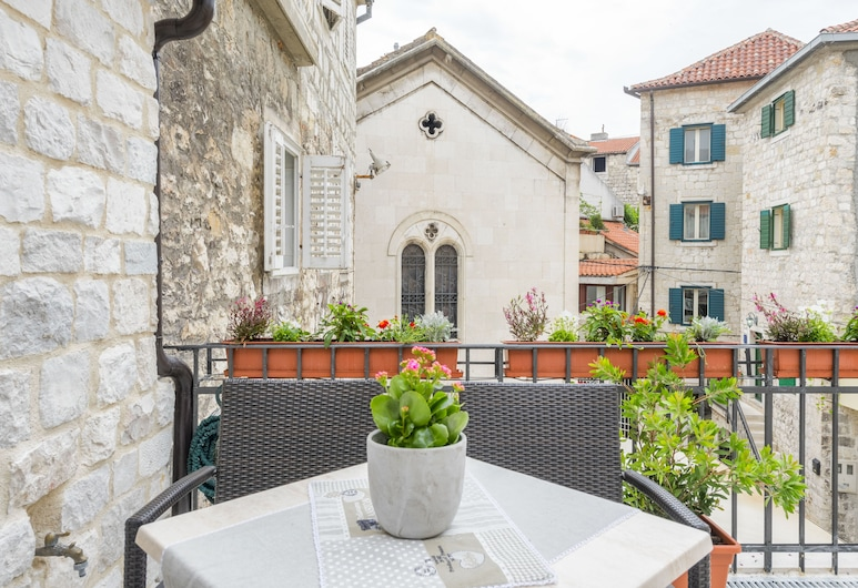 Apartments & Rooms Dujam, Split, Deluxe-Apartment, Terrasse, Zimmer