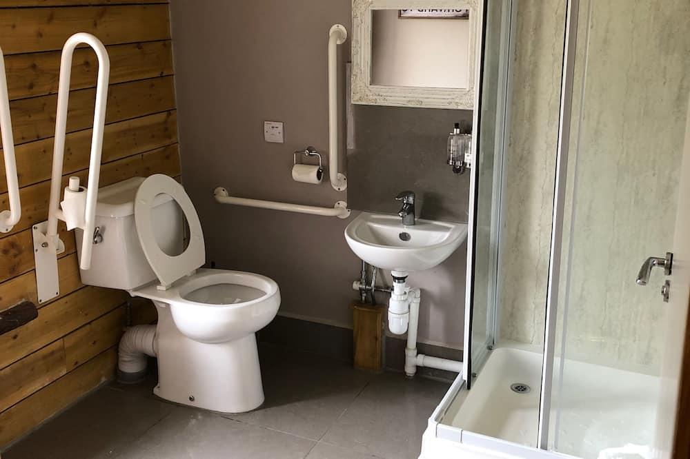 Kamar Double, akses difabel - Kamar mandi