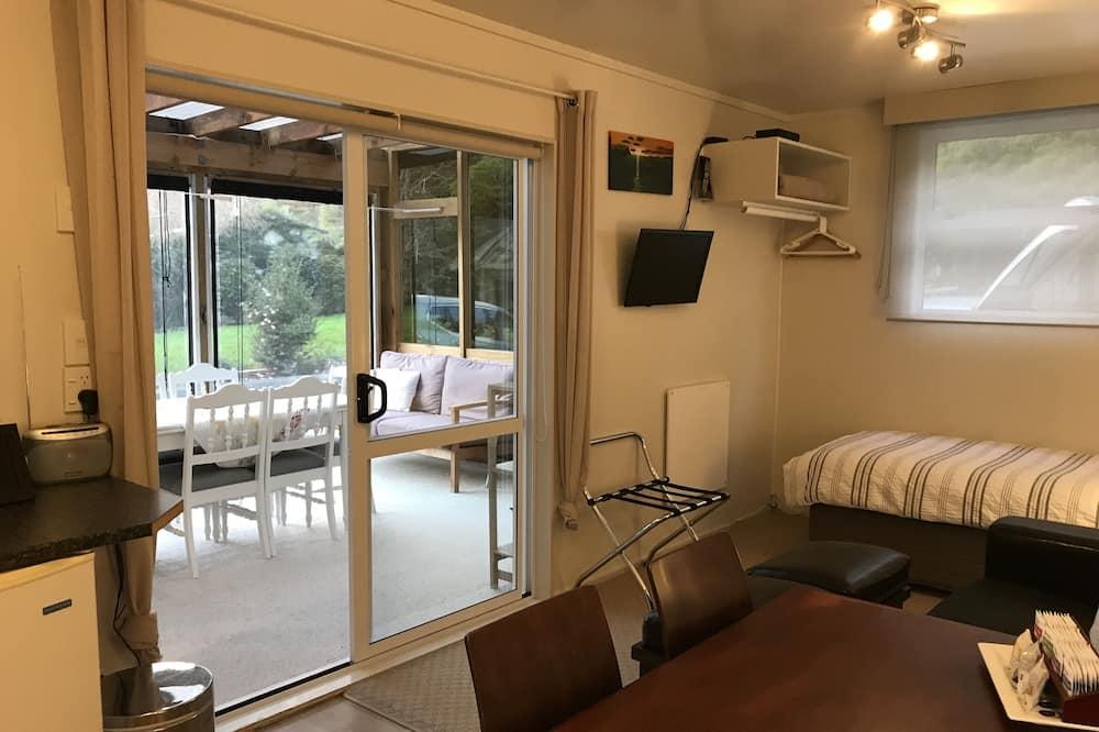 Cottage, 2 Bedrooms, Garden View - In-Room Dining