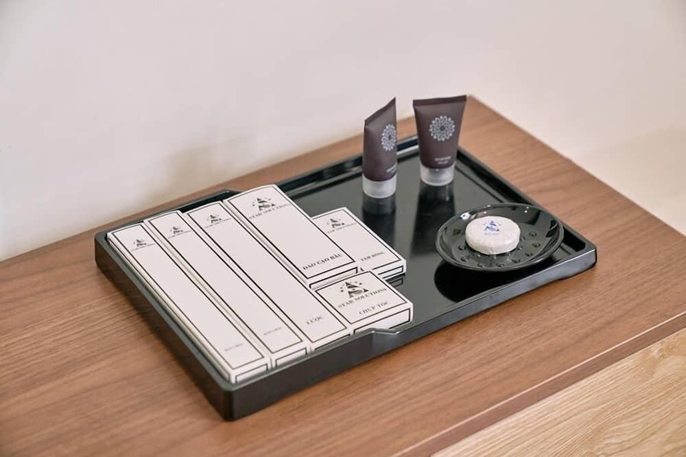 Standard-Doppelzimmer - Badezimmerausstattung