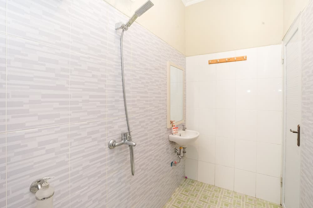 Chambre Double Standard, 1 lit double, non-fumeurs - Salle de bain