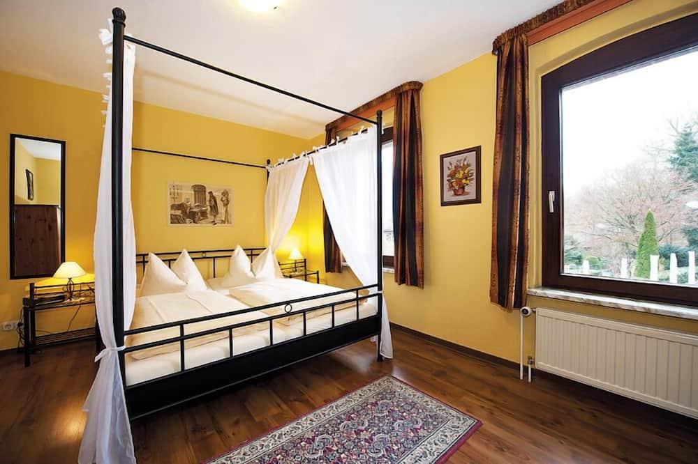 Economy Double Room, Non Smoking, Garden View - Guest Room