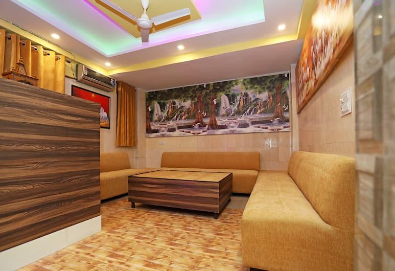 OYO 22663 Qlark Rooms & Lawn, Нью-Дели, Вестибюль