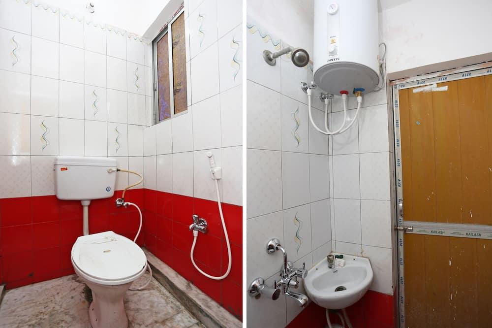 Dvivietis kambarys, 1 labai didelė dvigulė lova - Vonios kambarys