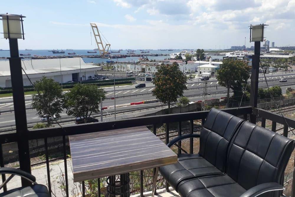 Tremannsrom – comfort, 3 soverom, utsikt mot sjø - Terrasse/veranda