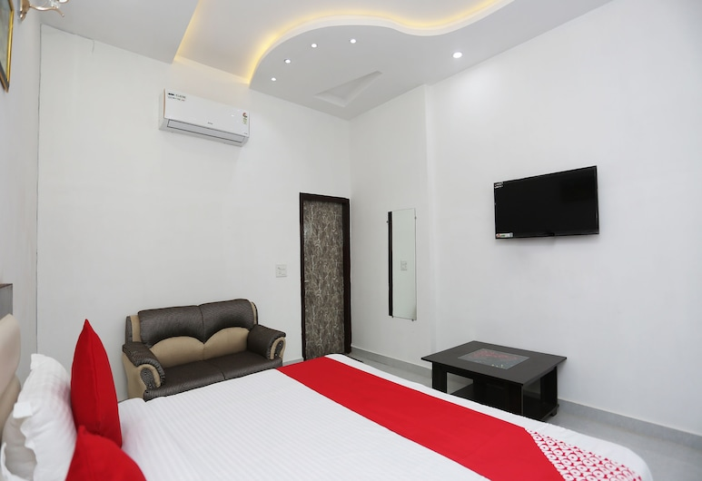 OYO 26628 Hotel Rest Palace, Agra, Double or Twin Room, Guest Room