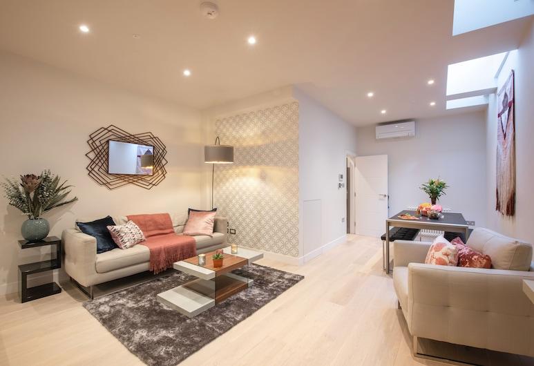 Sweet Inn - Kensington High Street, London, Apartment, 2 Bedrooms (Kensington High Street II), Living Room
