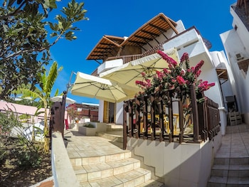 Enter your dates to get the Praia hotel deal