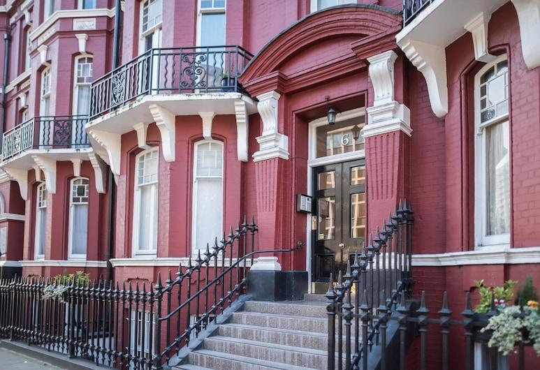 埃奇威爾路酒店, 倫敦, 住宿正面