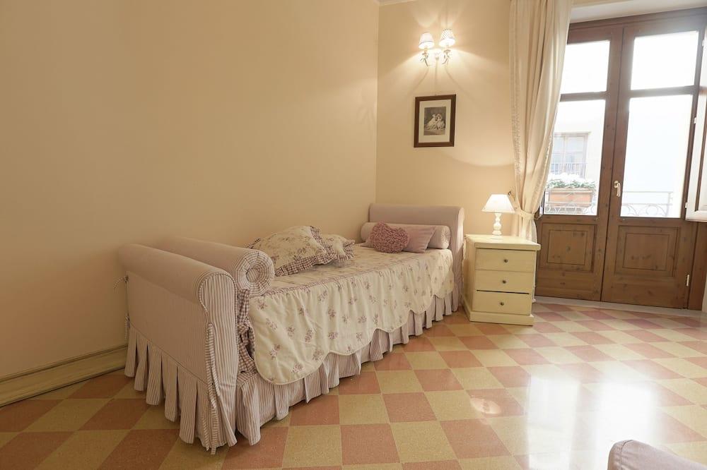 Deluxe Room, 1 Bedroom, City View, Tower - Children's Theme Room
