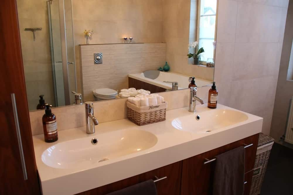 Двомісний номер «Делюкс», приватна ванна (Balcony) - Ванна кімната