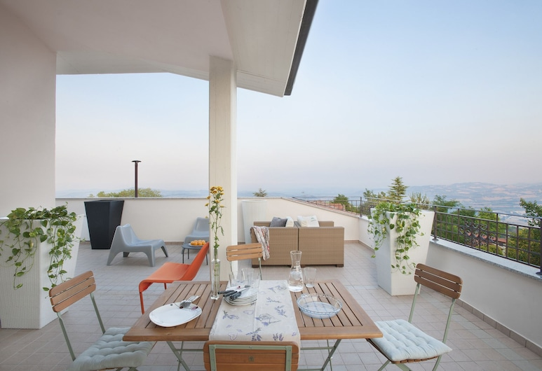Il Panorama, Tavullia, Apartment, Terrace, Sea View (Il Tondo), Terrace/Patio