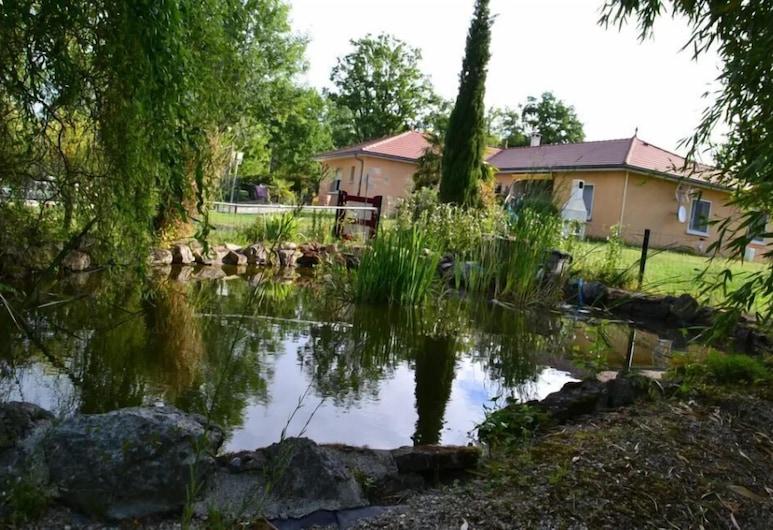 Alaguyauder Le Studio, Chatillon-sur-Broue, Lake