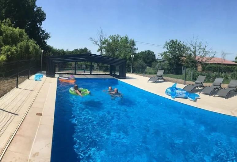 Gite de l'etanchee, Chatillon-sur-Broue, Outdoor Pool