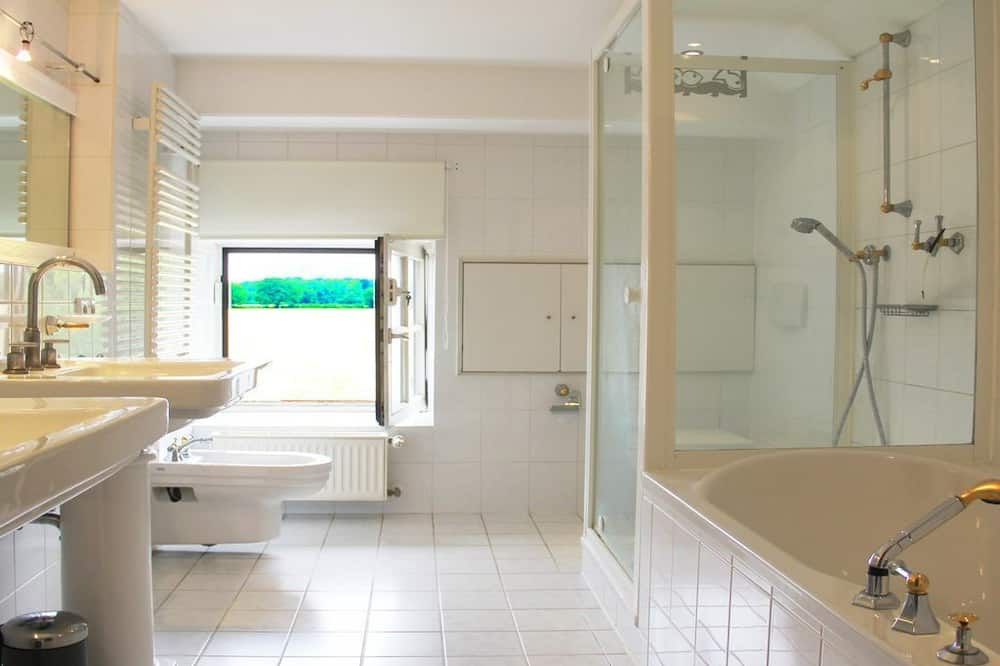 Ateliérové apartmá, 6 ložnic - Koupelna