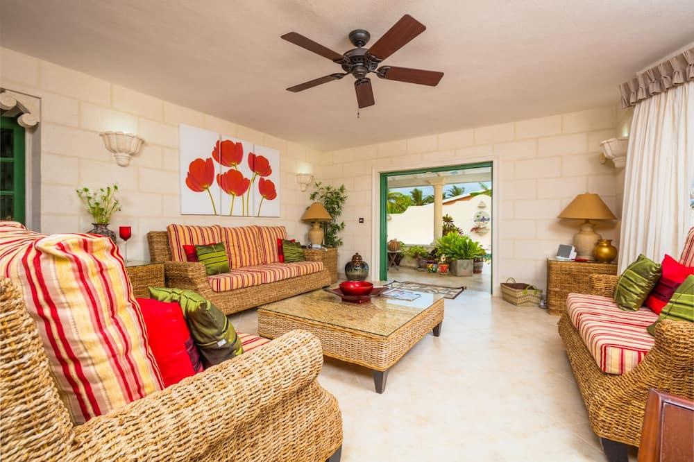 House, Non Smoking, Garden View - Ruang Tamu