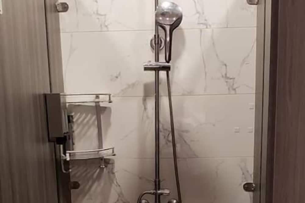 Shared Dormitory, Men only, Non Smoking - Bathroom