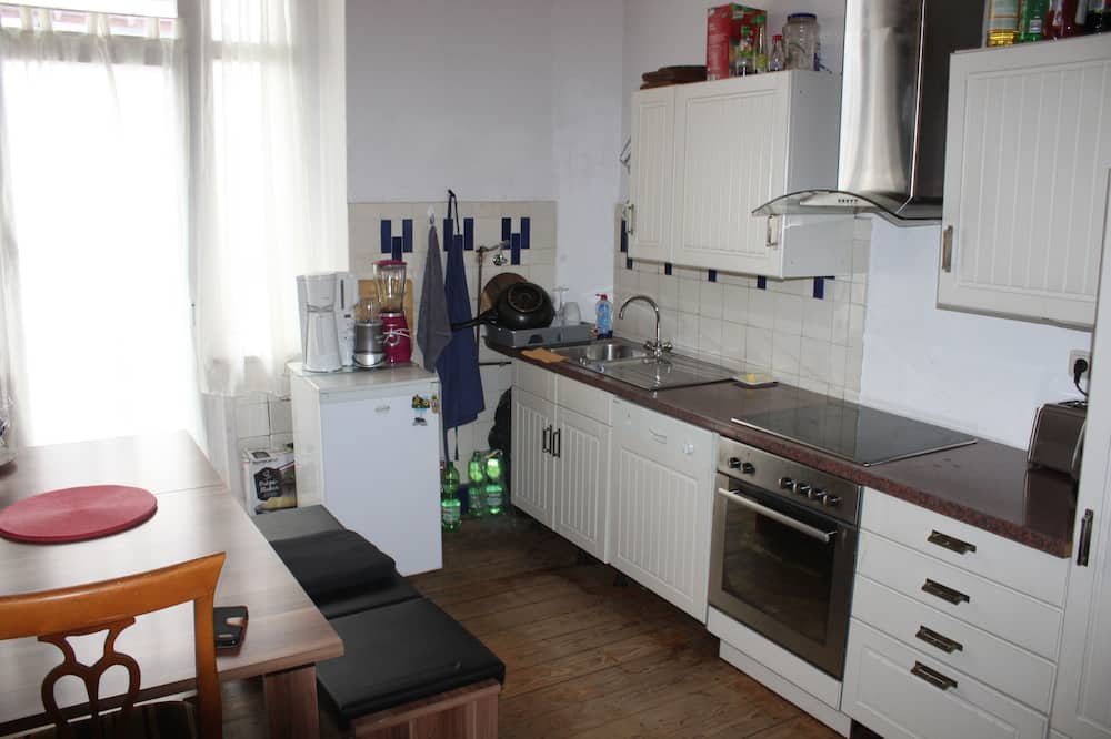 Divvietīgs numurs, 1 divguļamā karalienes gulta, balkons - Kopīga virtuve