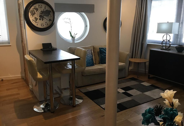 Dockland Apartment - Free parking, Liverpool